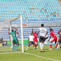 Away wins for Simba and Raja; draws for Sundowns and Esperance; Hearts of Oak downs Wydad