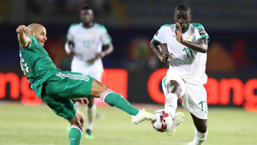 Papa Alioune Ndiaye of Senegal challenged by Adlane Guedioura of Algeria during the 2019 Africa Cup of Nations Finals match between Senegal and Algeria at 30 June Stadium, Cairo, Egypt on 27 June 2019 ©Samuel Shivambu/BackpagePix