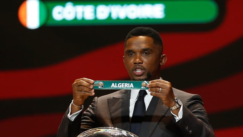 Samuel Eto'o draws Algeria at the 2021 Africa Cup of Nations (Afcon) Draw at the Palais de Congress Hall in Yaounde, Cameroon on 17 August 2021 ©Alain Guy SuffoBackpagePix