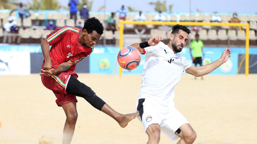 Lorddy Autre of Seychelles challenged by Haitham Mahsoub of Egypt during the 2021 Beach Soccer African Cup of Nations game between Seychelles and Egypt in Thies, Saly in Senegal on 25 May 2021 © Alain SuffoBackpa