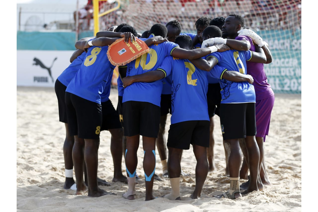 General view Tanzania players during the 2021 Beach Soccer African Cup of Nations game between Senegal and Tanzania in Thies, Saly in Senegal on 26 May 2021 © Alain SuffoBackpagePix