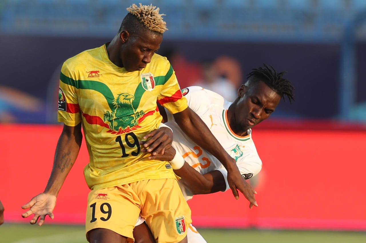 Moussa Djenepo of Mali challenged by Bagayoko Mamadou of Ivory Coast during the 2019 Africa Cup of Nations Finals last 16 match between Mali and Ivory Coast at Suez Stadium, Suez, Egypt on 08 July 2019 ©Samuel Shivambu/BackpagePix