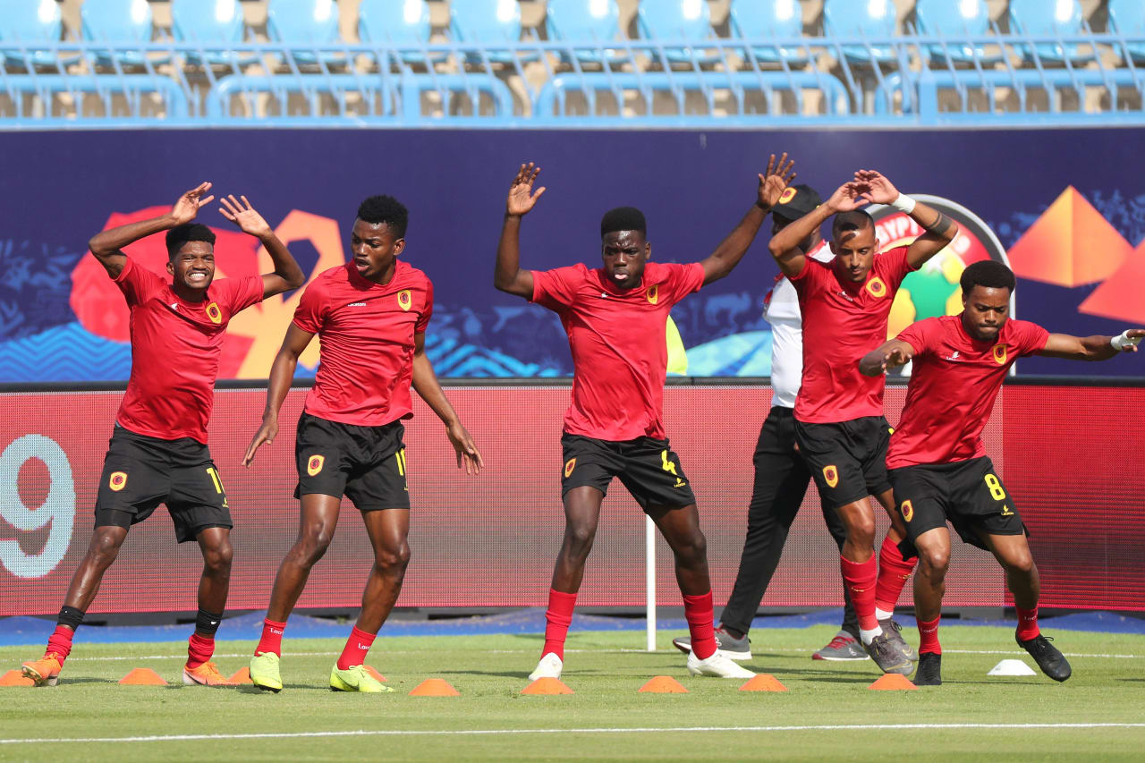 Angola players warm up, Manuel Cafumana Show (c) during the 2019 Africa Cup of Nations Finals football match between Mauritania and Angola  at the Suez Stadium, Suez, Egypt on 29 June 2019 ©Gavin Barker/BackpagePix