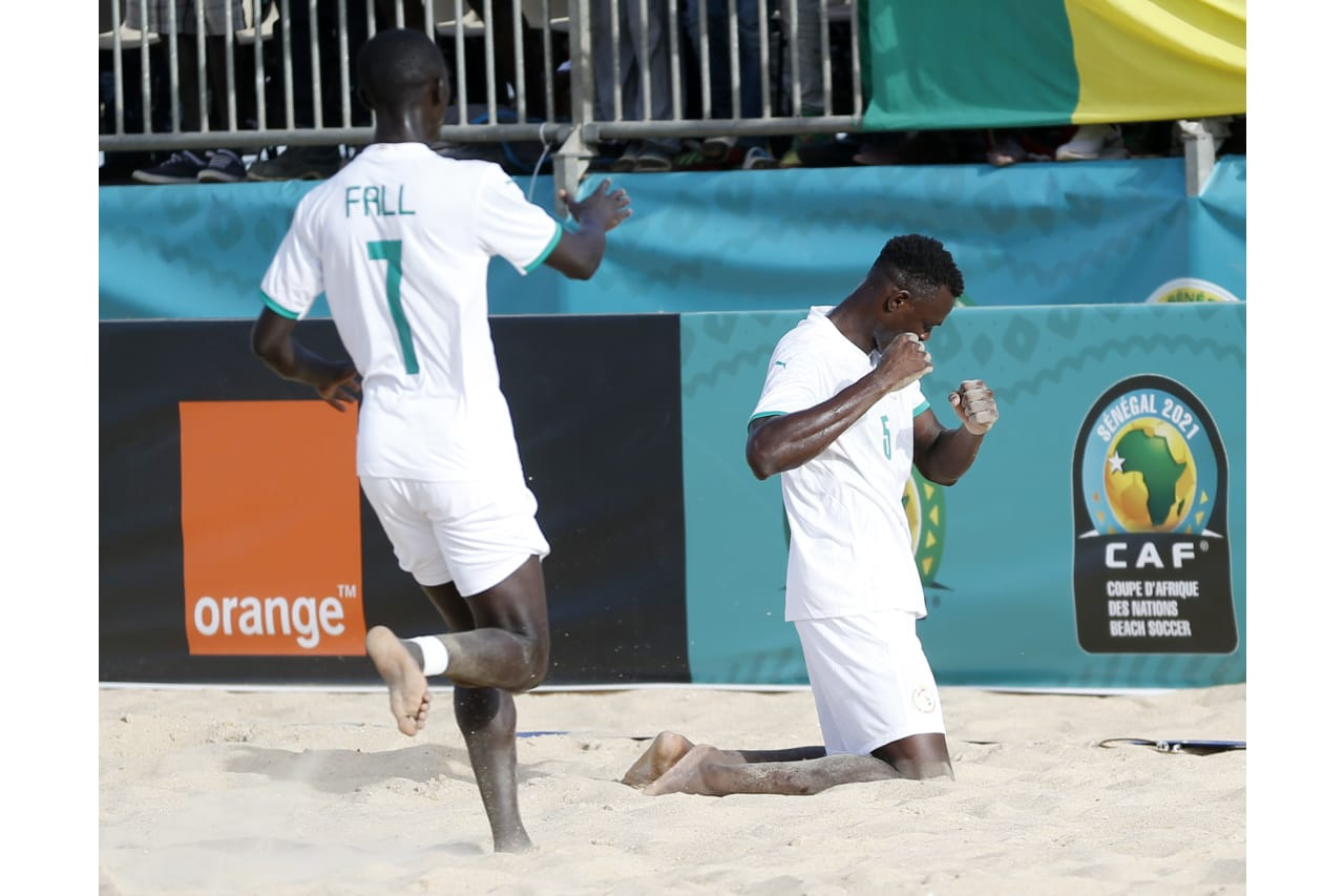 Mamadou Sylla of Senegal celebrates goal with teammates during the 2021 Beach Soccer African Cup of Nations game between Senegal and Tanzania in Thies, Saly in Senegal on 26 May 2021 © Alain SuffoBackpagePix (2)