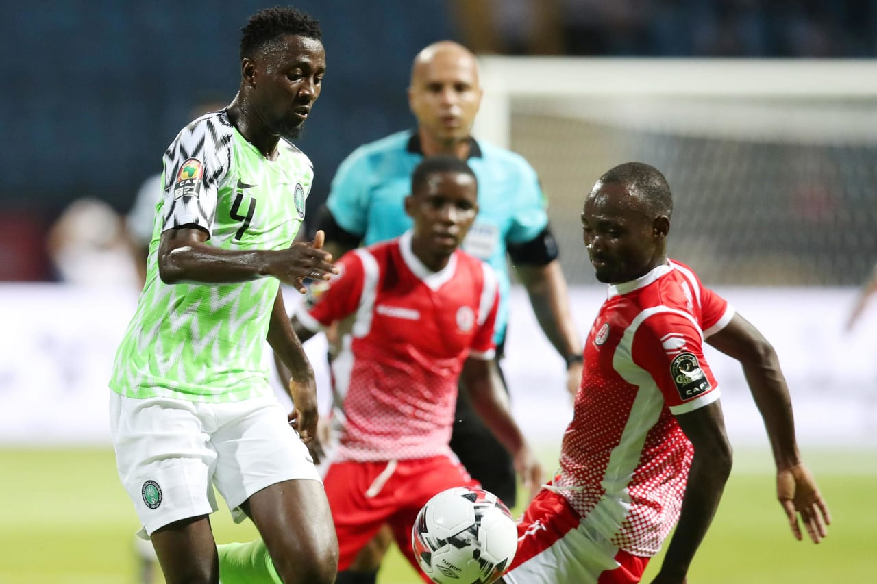 Wilfred Ndidi of Nigeria challenged by Amissi Cedric of Burundi during the 2019 Africa Cup of Nations Finals match between Nigeria and Burundi at the Alexandria Stadium, Alexandria on the 22 June 2019 ©Muzi Ntombela/BackpagePix