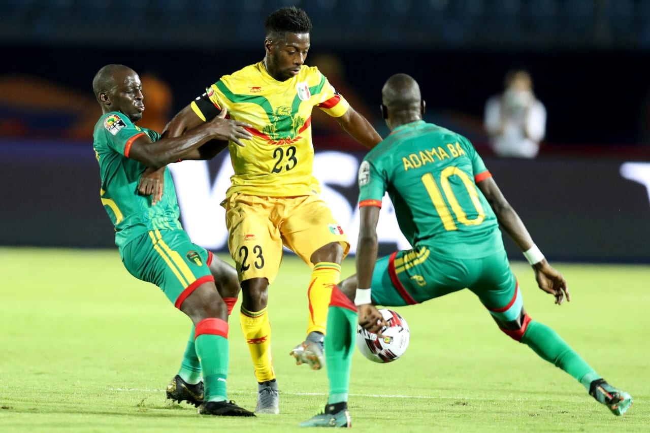 Abdoulay Diaby of Mali challenged by Adama Ba of Mauritania during the 2019 Africa Cup of Nations Finals football match between Mali and Mauritania at Suez Army Stadium, Suez, Egypt on 24 June 2019 ©Samuel Shivambu/BackpagePix